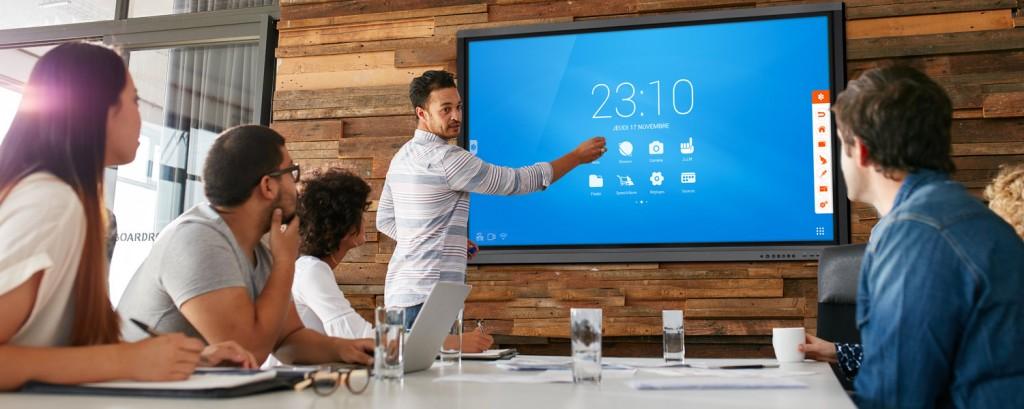 écran interactif comparatif