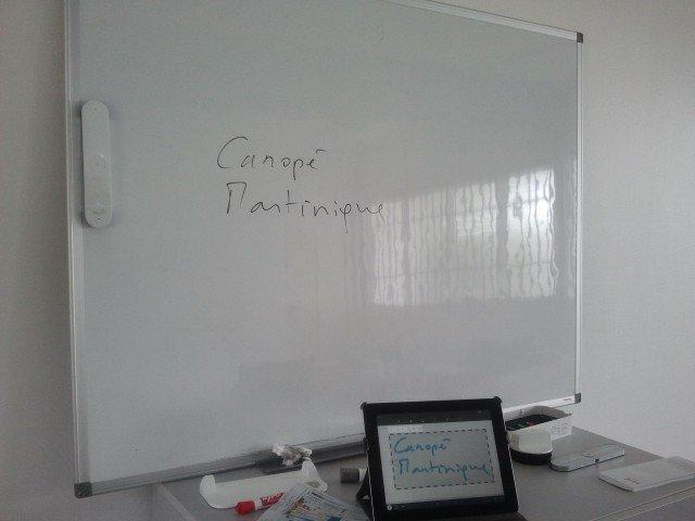 Le marqueur intelligent eBeam SmartMarker : collaboration sans fil avec une tablette