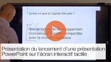 Présentation du lancement d'une présentation PowerPoint sur un écran interactif tactile
