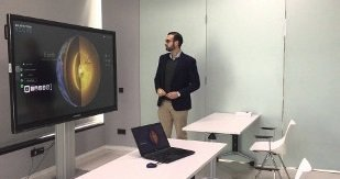 Clevershare interact remotely with a Clevertouch screen