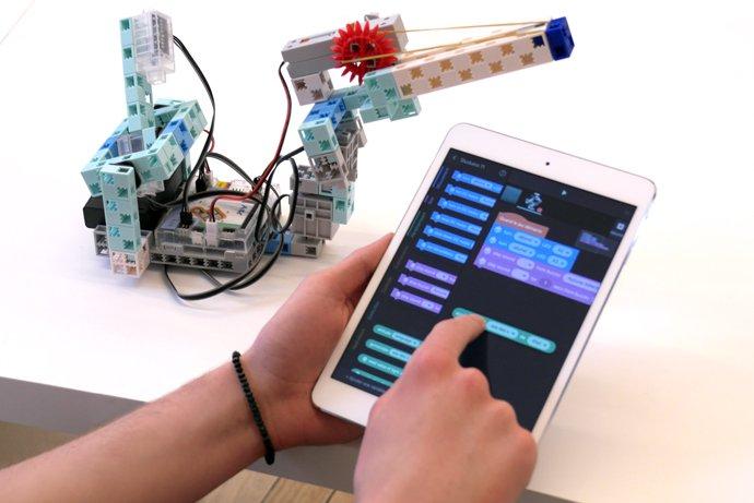 programmation robots enfants avec tickle