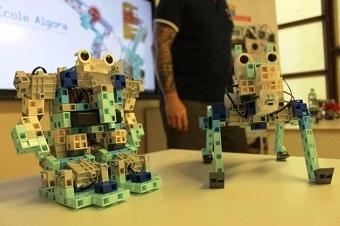un robot programmable pour apprendre la programmation