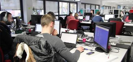 écran interactif tactile en entreprise agroalimentaire service informatique
