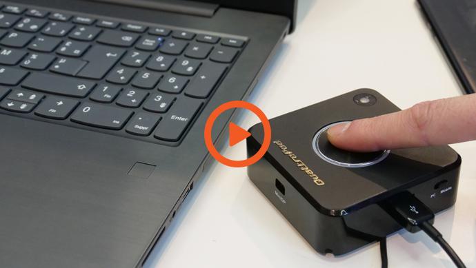 Réunion avec l'écran interactif et boîtier sans fil QuattroPod