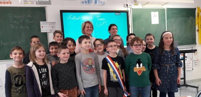 écran interactif Android à l'école primaire d'Amifontaine