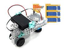 un robot programmé avec le logiciel Scratch