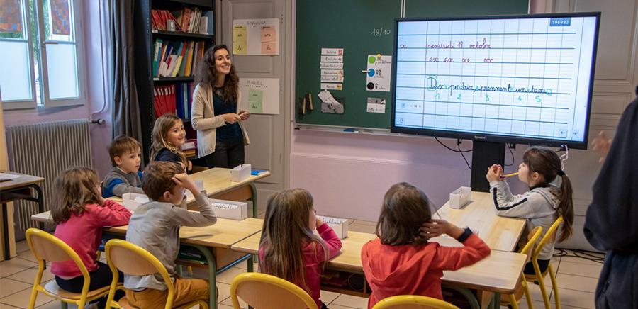 L'école Blaise Pascale équipée d'un écran interactif SpeechiTouch