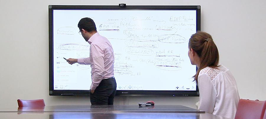 utilisation d'un écran interactif avec le logiciel Iolaos