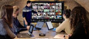 travail collaboratif à distance avec écran tactile