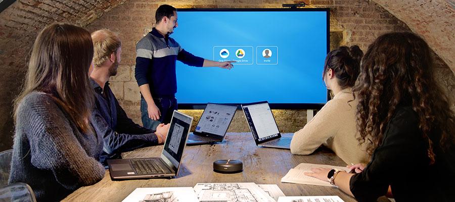 réunion connectée avec le cloud sur écran interactif