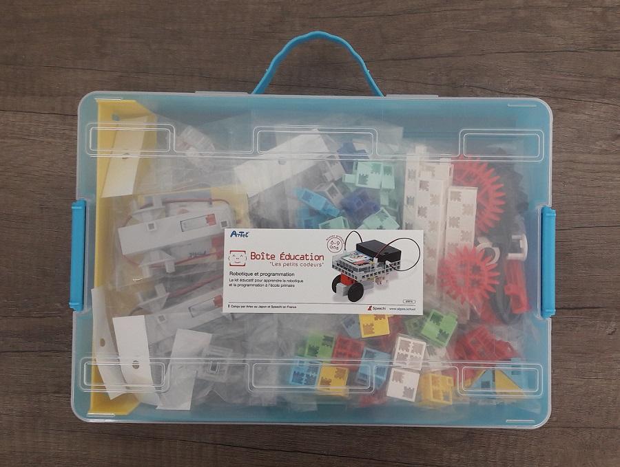 mallette pédagogique ou kit robotique pour initier à la programmation en école primaire