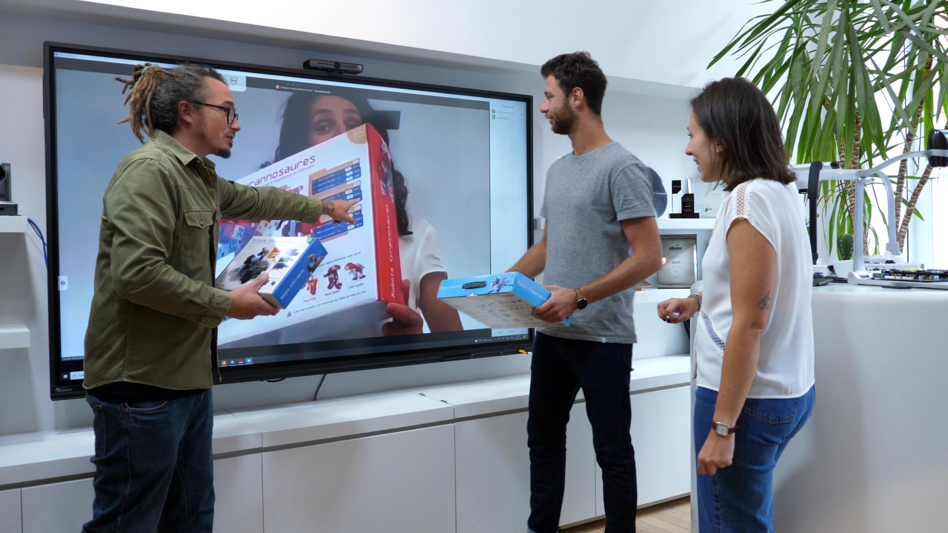 écran interactif en visioconférence