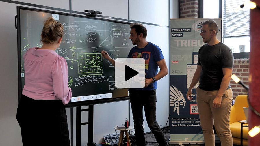 écran interactif tactile SuperGlass 2 pour collaborer sur tbi